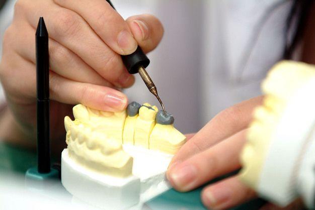 歯科技工士在住